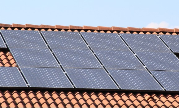 Do Florida HOAs Have The Right To Restrict Solar Panels?